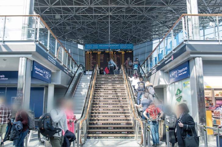 ヴァンター空港の階段