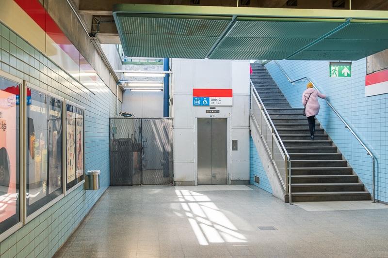 ヘルットニエミ駅 出口