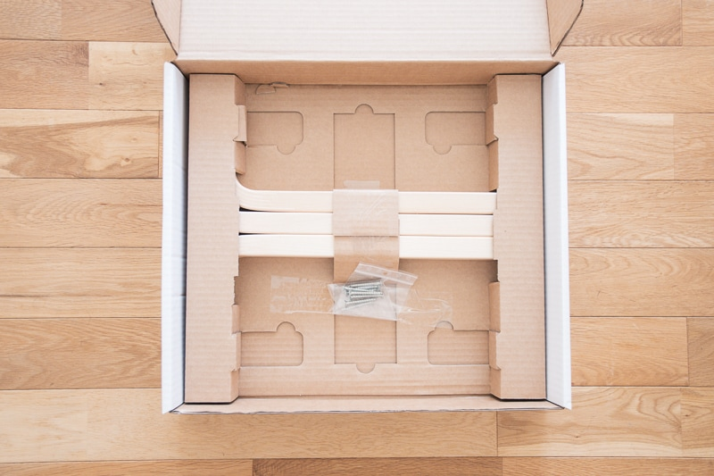 スツール60の箱